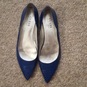 Guess blue pointed toe flats